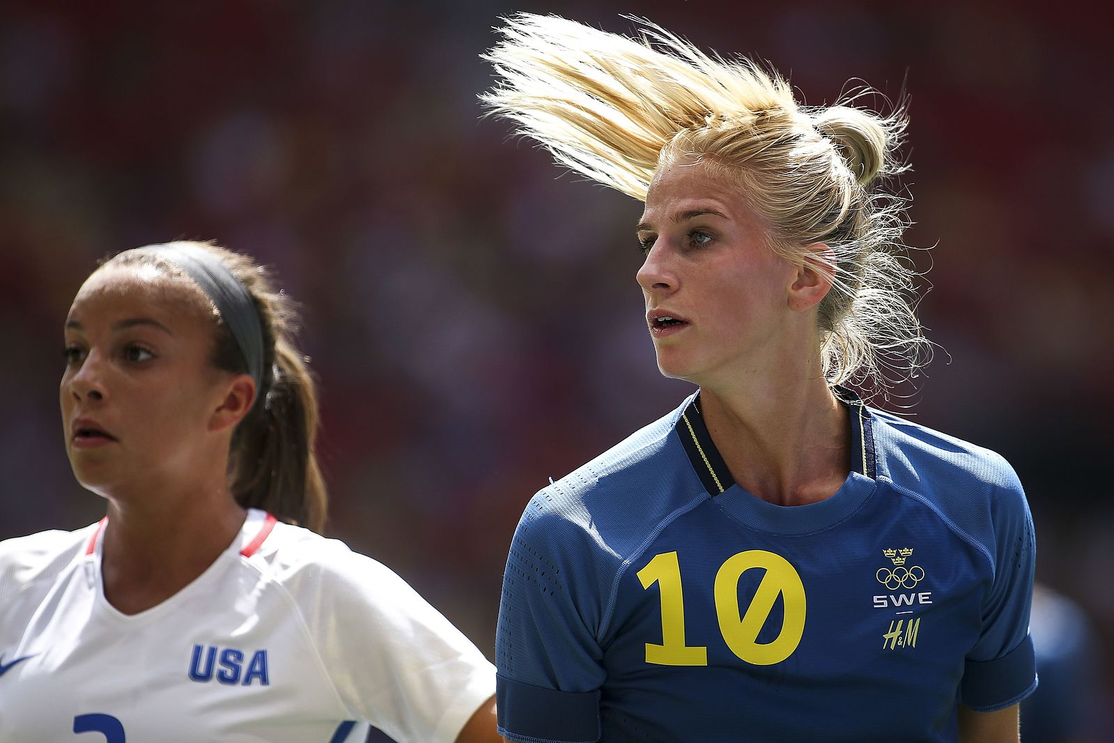Sofia Jakobsson, ©Marcelo Camargo/Agência Brasil, https://commons.wikimedia.org/wiki/File:A_sele%C3%A7%C3%A3o_feminina_de_futebol_dos_EUA_enfrenta_a_Su%C3%A9cia_(28654895110).jpg