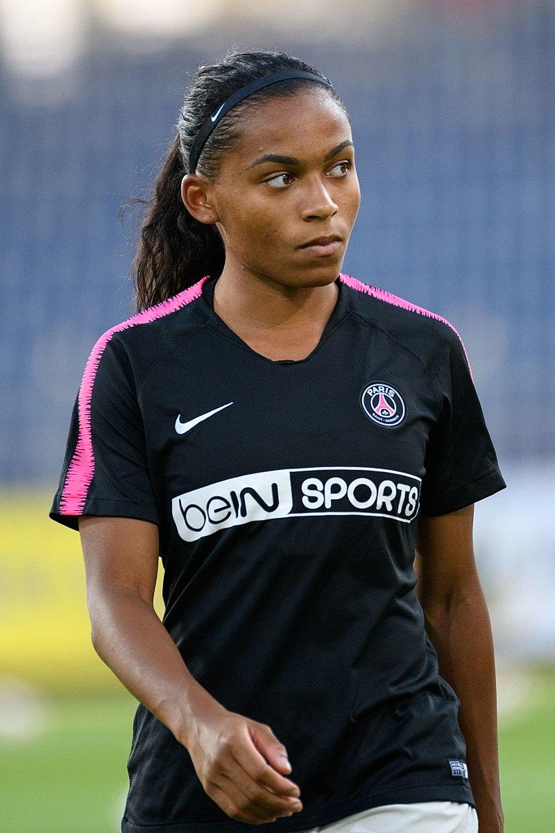 Morroni © https://fr.wikipedia.org/wiki/Fichier:20180912_UEFA_Women%27s_Champions_League_2019_SKN_-_PSG_Perle_Morroni_DSC_4650.jpg