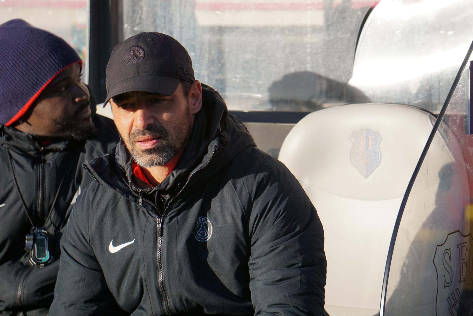 Olivier Echouafni sur le banc de touche au match PSG-OM (janvier 2020)