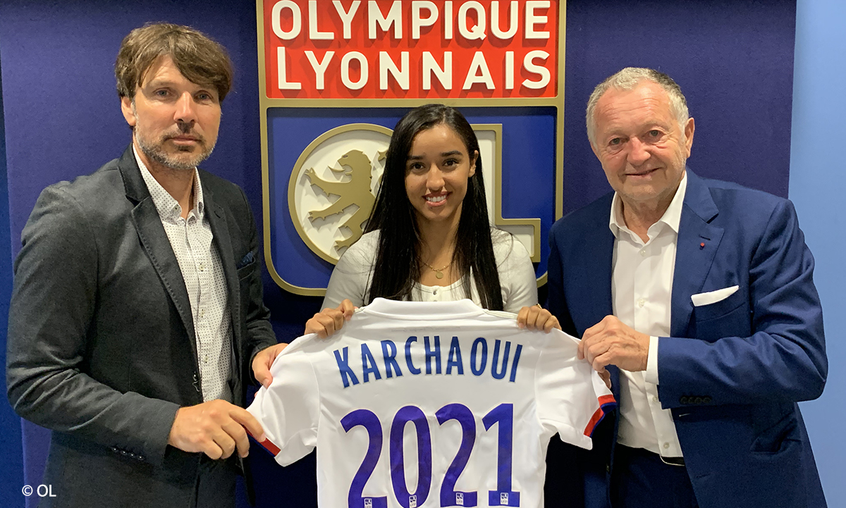 Sakina Karchaoui signature Lyon