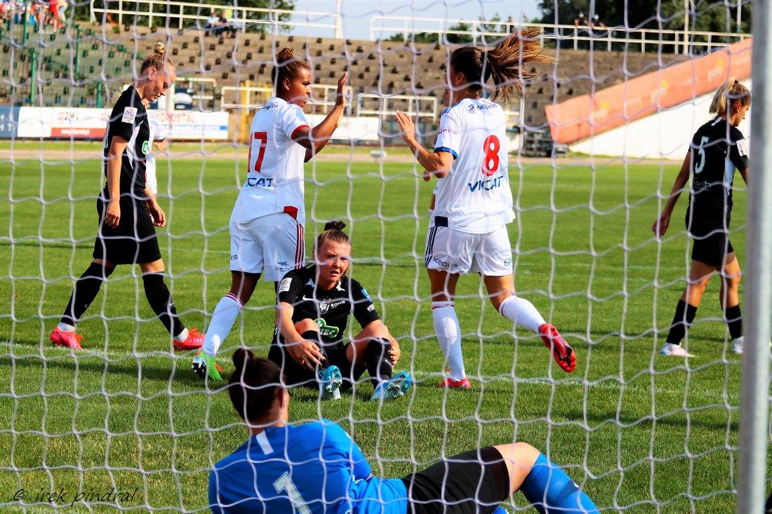 L'OL remporte son premier match depuis la reprise, 5-0 contre Medyk Konin