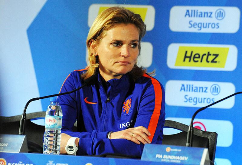 Sarina Wiegman en conférence de presse