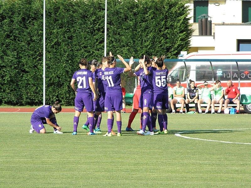 Les joueuses de la Fiorentina célèbrant un but